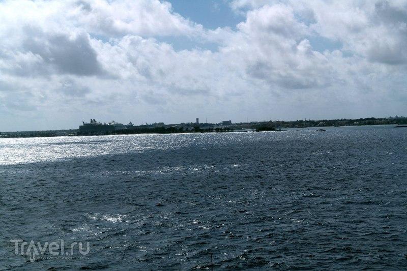 Нассау, Багамские острова - Подплывая к берегу / Багамские острова