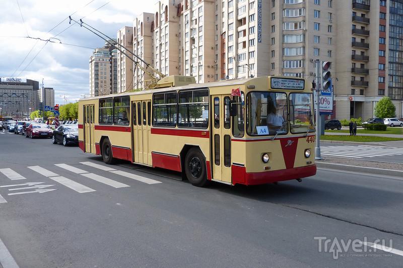 Парад ретро-транспорта в Петербурге / Россия