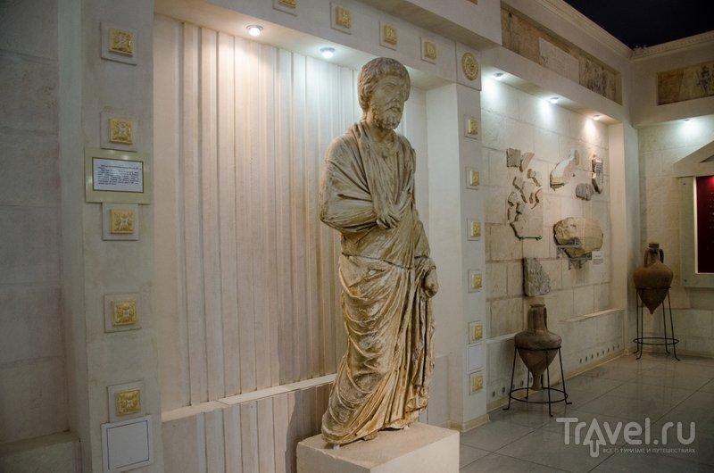 Копия скульптуры Правителя, найденной в Горгиппии, оригинал находится в Пушкинском музее в Москве