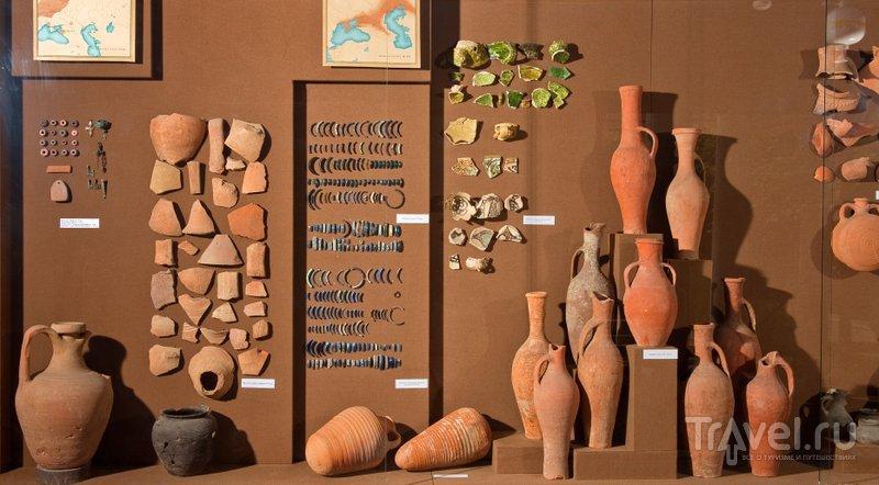 Археологические находки из Гермонассы-Тмутаракани и других древних городищ Тамани