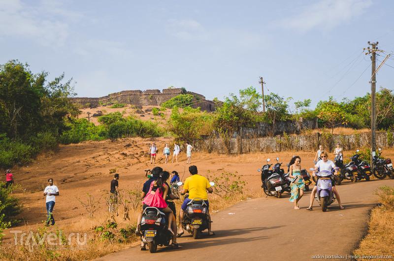 Форт Чапора и Джус Центр / Фото из Индии