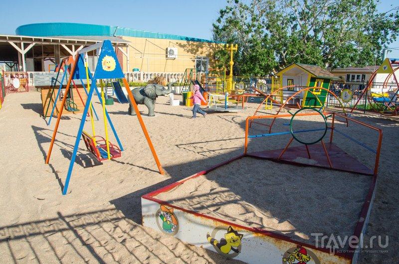 Посещение детской площадки входит встоимость билета на пляж