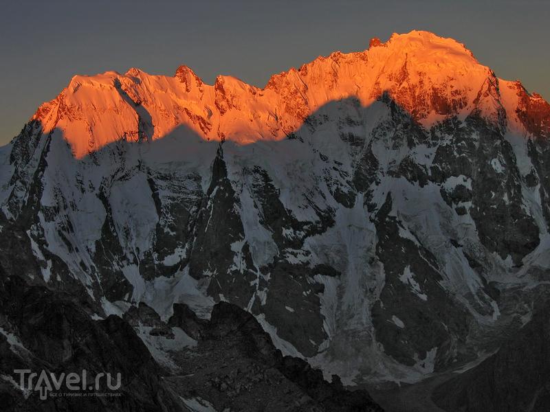 Лучшие вершины Кавказа. Дыхтау, Шхара и Безенгийская стена / Фото из России