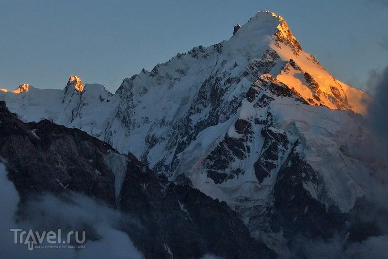 О вершинах Кавказа. Дыхтау, Шхара и Безенгийская стена / Фото из России