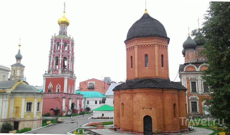 Москва: Высоко-Петровский мужской монастырь / Россия