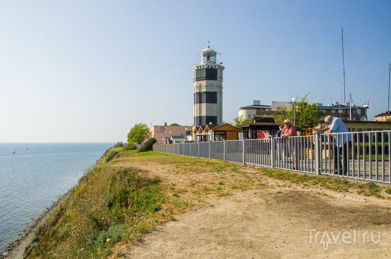 Современный маяк был построен в 50-е годы XX и до сих пор работает