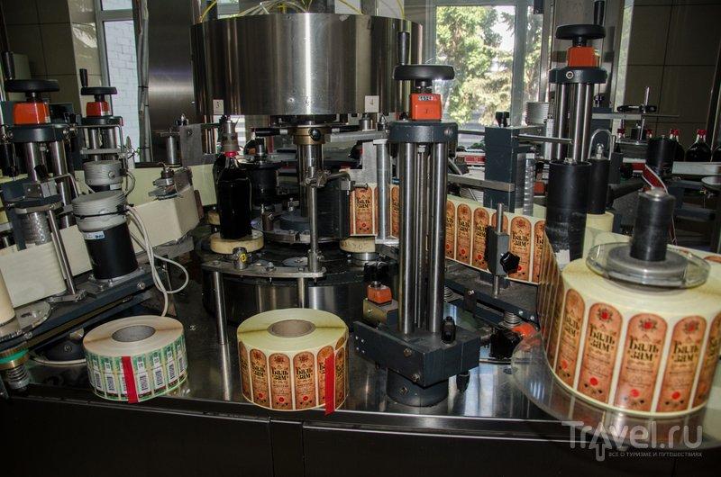 На заводе также производят бальзамы из нескольких десятков целебных трав