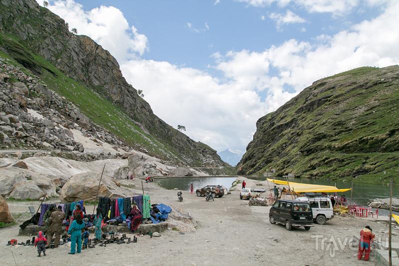 Другая сторона Ротанга - первого перевала на пути в Лех (Rohtang La) / Индия