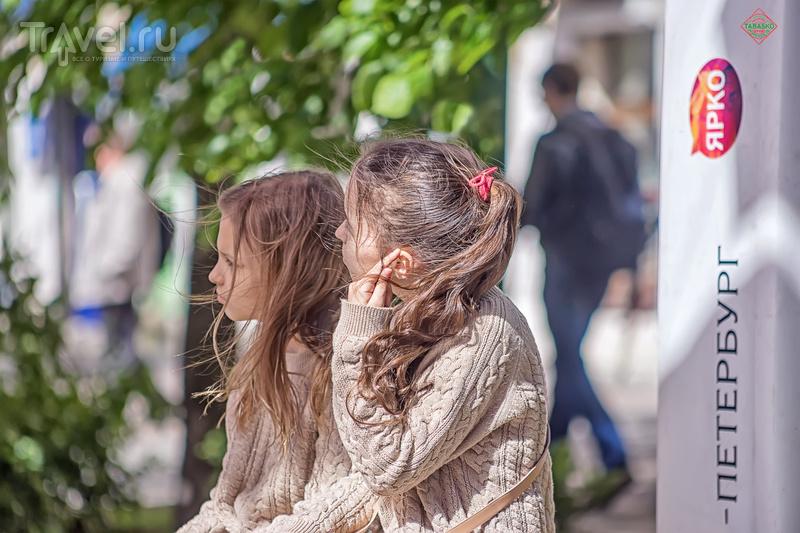 """Арт-инсталляция """"Аллея парящих зонтиков"""" / Фото из России"""