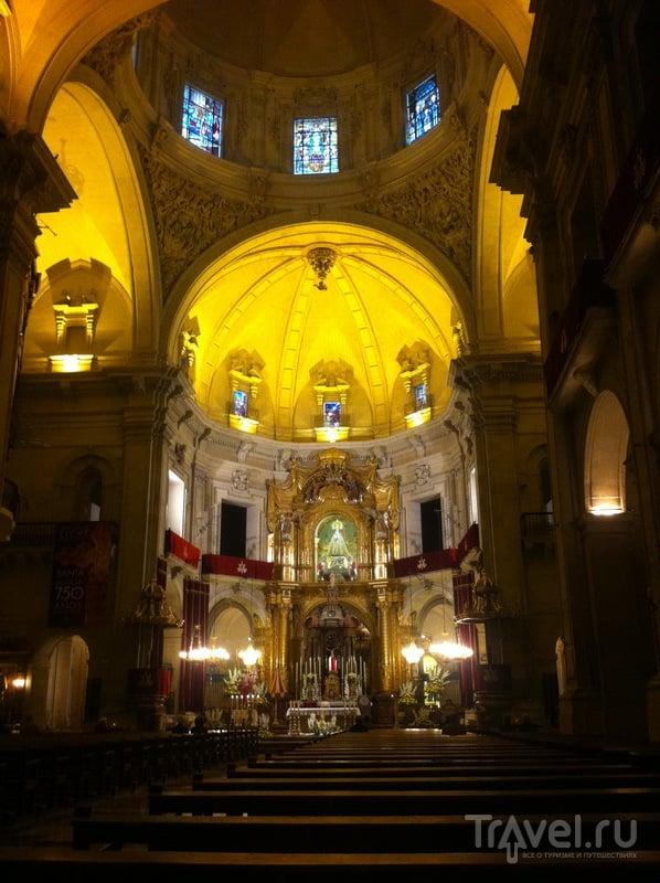 Внутри базилики - здесь и проходит Мистерия