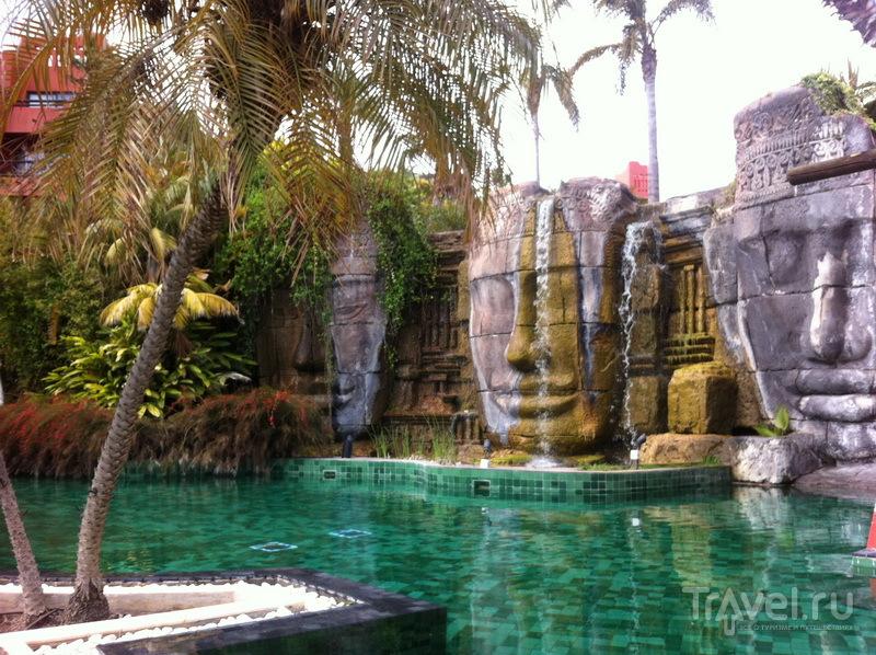 Один из бассейнов отеля
