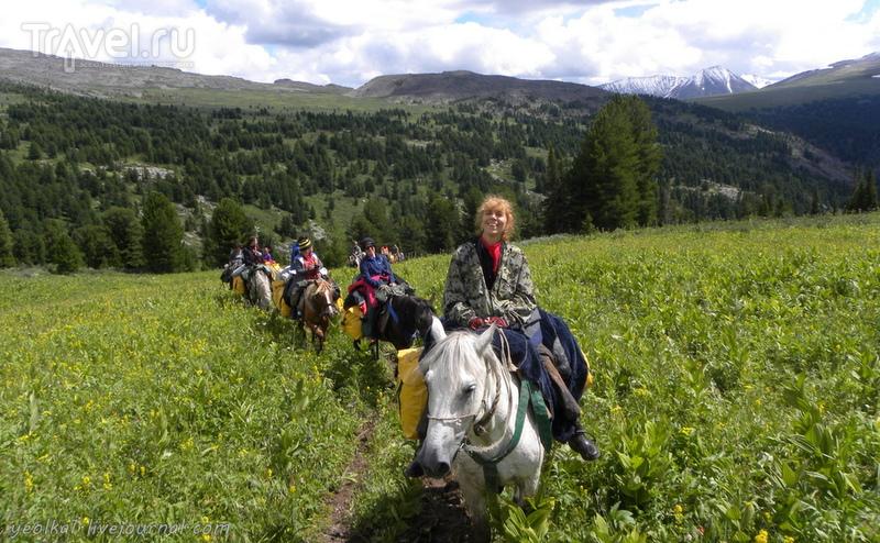По Горному Алтаю на конях. Переход от речки Куба в Байаюк / Россия