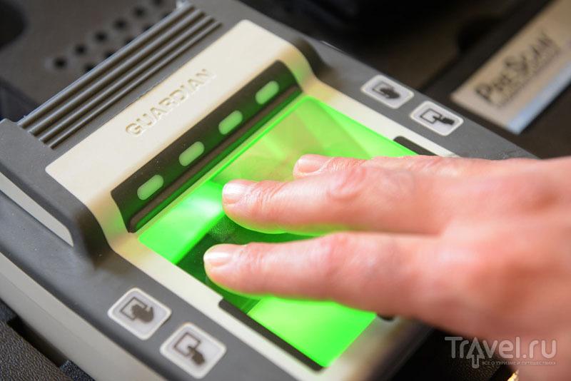 Сканирование четырех пальцев одной руки
