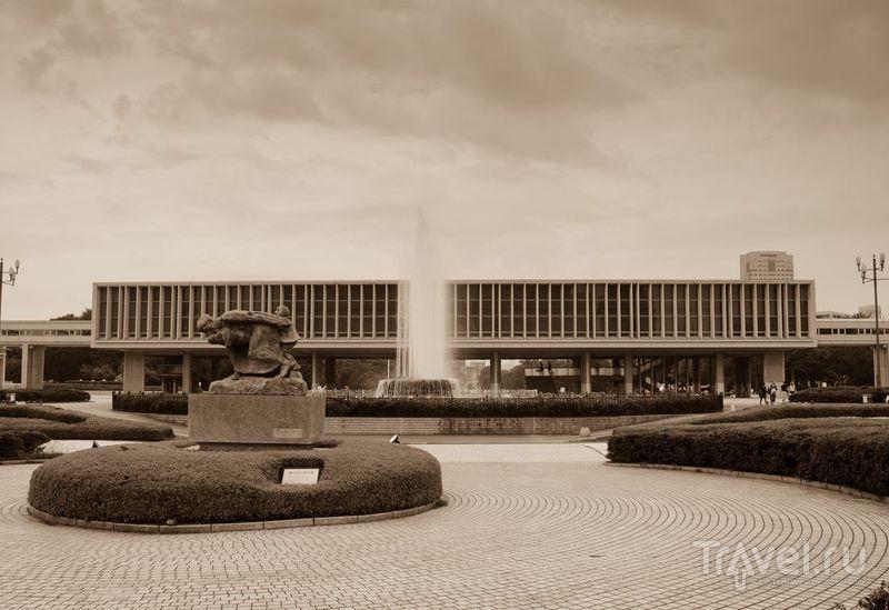 """Хиросима: """"Атомный купол"""" и Мемориал Мира / Япония"""