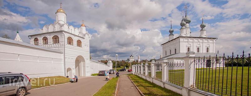 Суздаль: к Покровскому монастырю и обратно / Россия