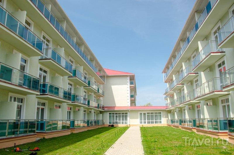 Отель состоит из двух корпусов