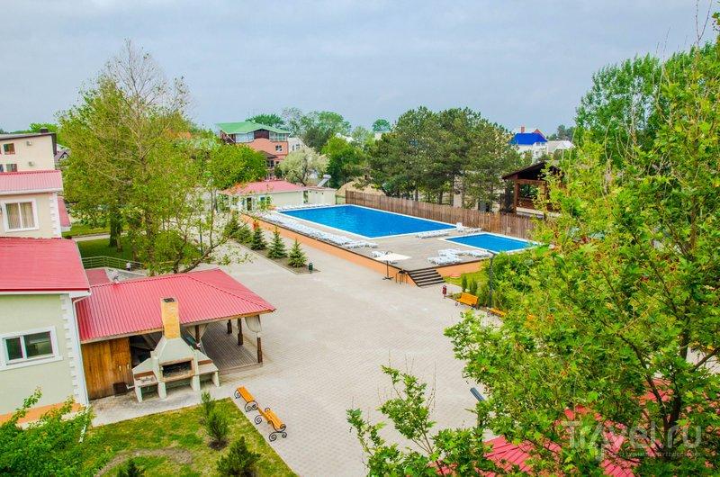 "Вид на территорию отеля ""Олимп"" с балкона"