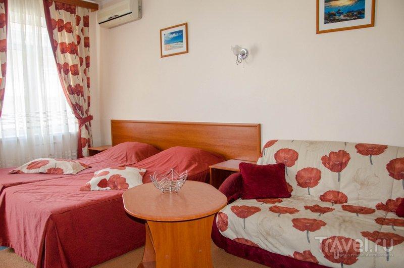 В отеле есть ряд двухкомнатных или даже двухэтажных номеров