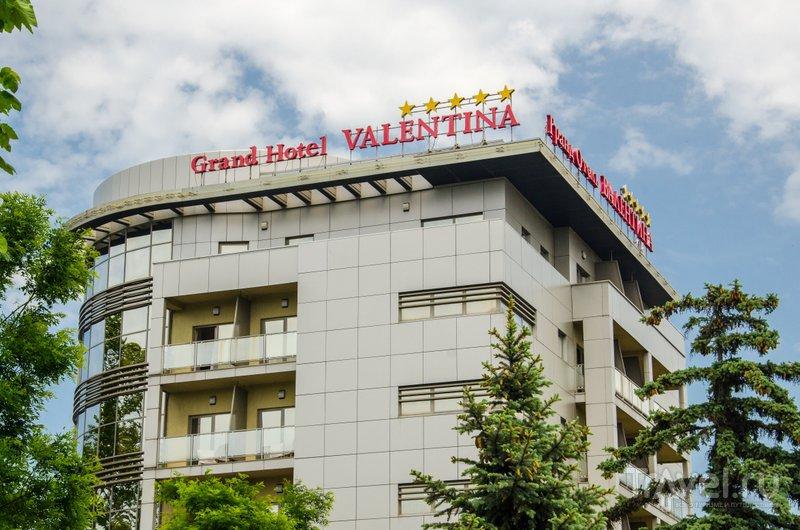 Пятизвездочная гостиница такого класса для провинциального города, пусть и федерального курорта, -большая редкость