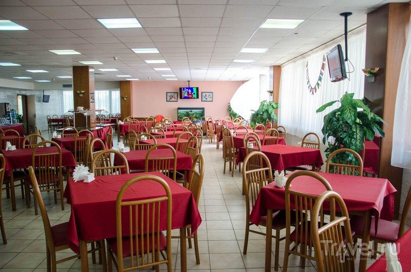 Столовая, где завтракают, обедают и ужинают постояльцы