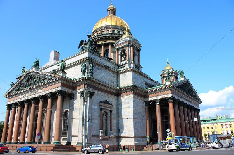 Исаакиевский собор- самый величественный