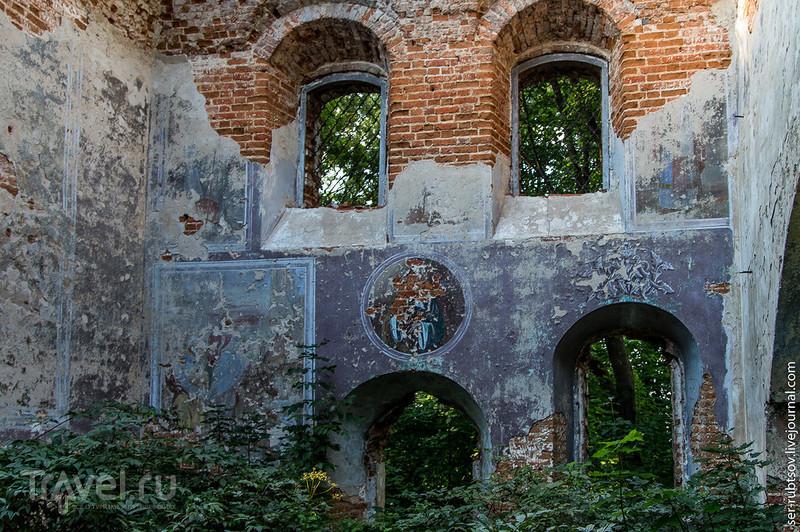 Храм, кладбище, часовня... в Юрьево / Фото из России
