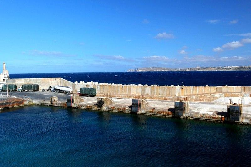 Паром на остров Гозо. Мальта / Мальта