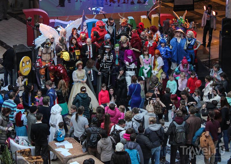 Косплей и выставка роботов  в Питерленде / Россия