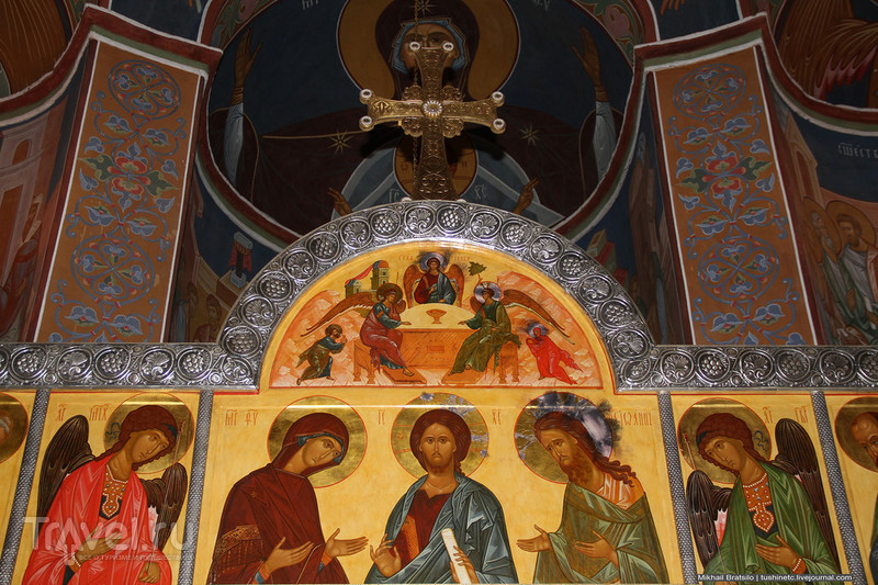 Храм Святителя Петра в Высоко-Петровском монастыре / Россия