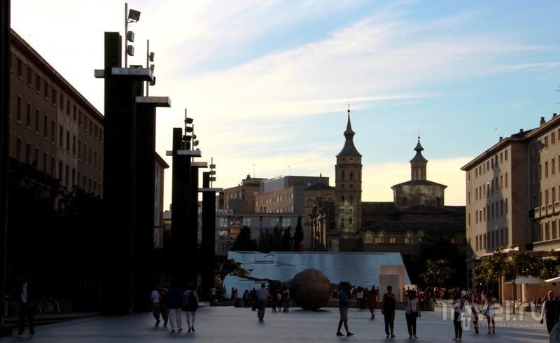 Площадь Пилар - центр города Сарагоса, столицы Арагона / Испания