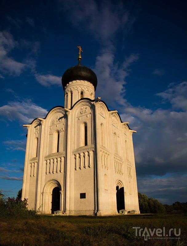 Церковь Покрова на Нерли / Россия