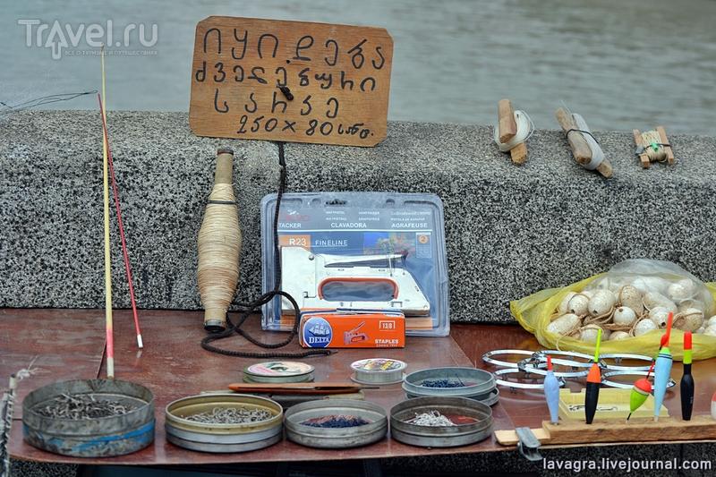 Барахолка в Тбилиси - рай для тех, кого достал китайский ширпотреб / Грузия