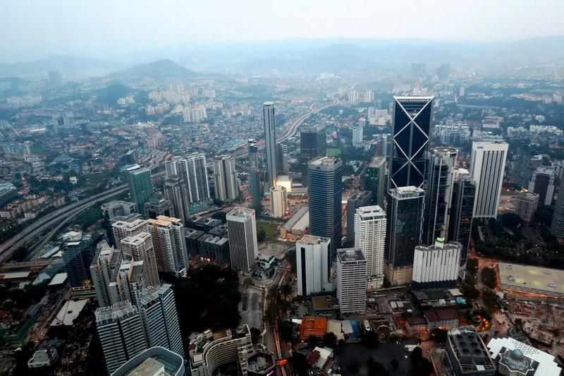 Куала-Лумпур: Башни-близнецы Петронас / Малайзия