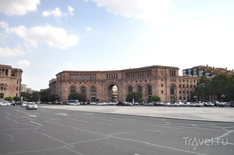 Площадь Республики / Фото из Армении