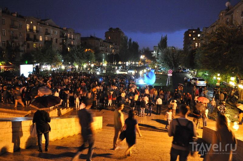 """""""Каскад"""" вечером / Фото из Армении"""