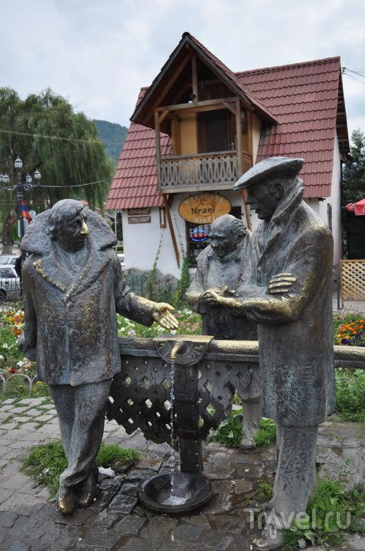 """Памятник персонажам """"Мимино"""" / Фото из Армении"""