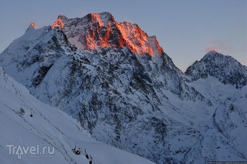 О вершинах Кавказа. Домбай-Ульген / Фото из России