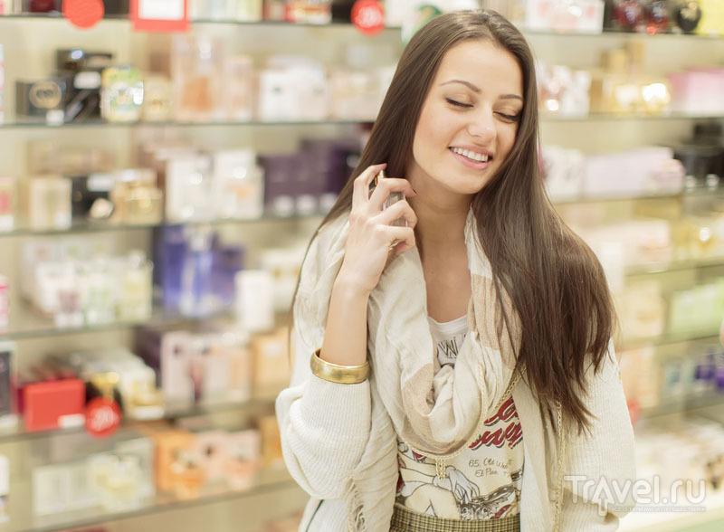 Пробники в магазинах нередко спасают экономных путешественников