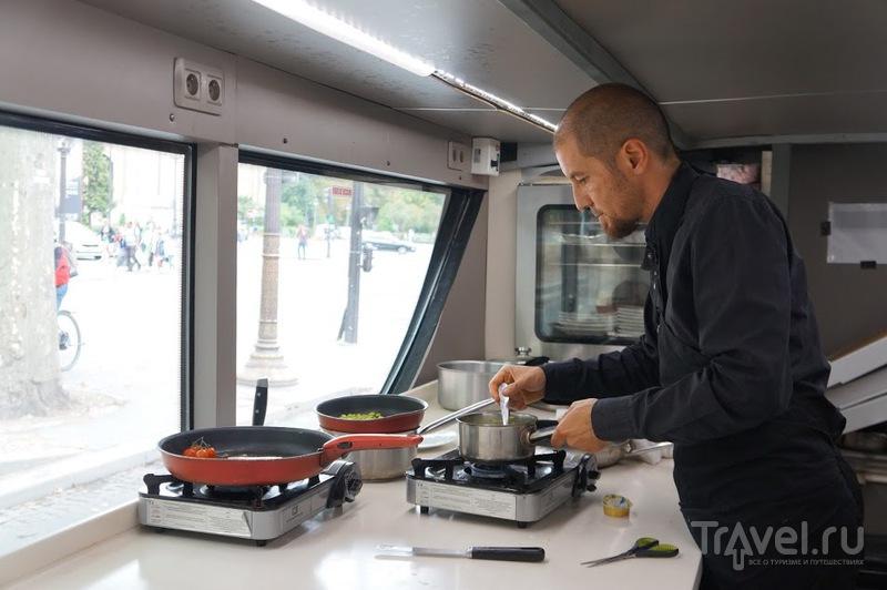 Bustronome - кулинарное путешествие по Парижу / Франция