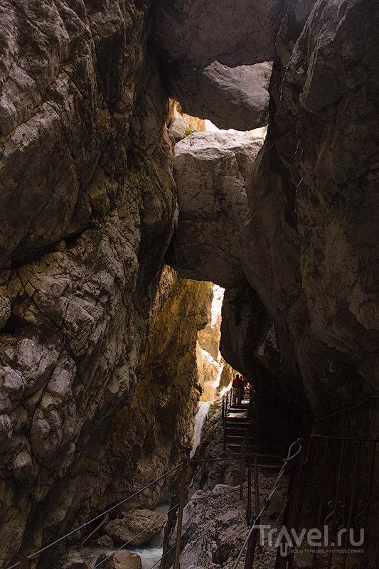 Среди камней и воды. Höllentalklamm / Фото из Германии
