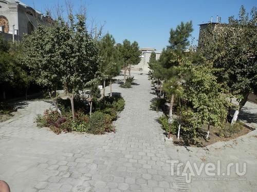 Парки, мавзолеи, рынки и музеи Бухары / Узбекистан