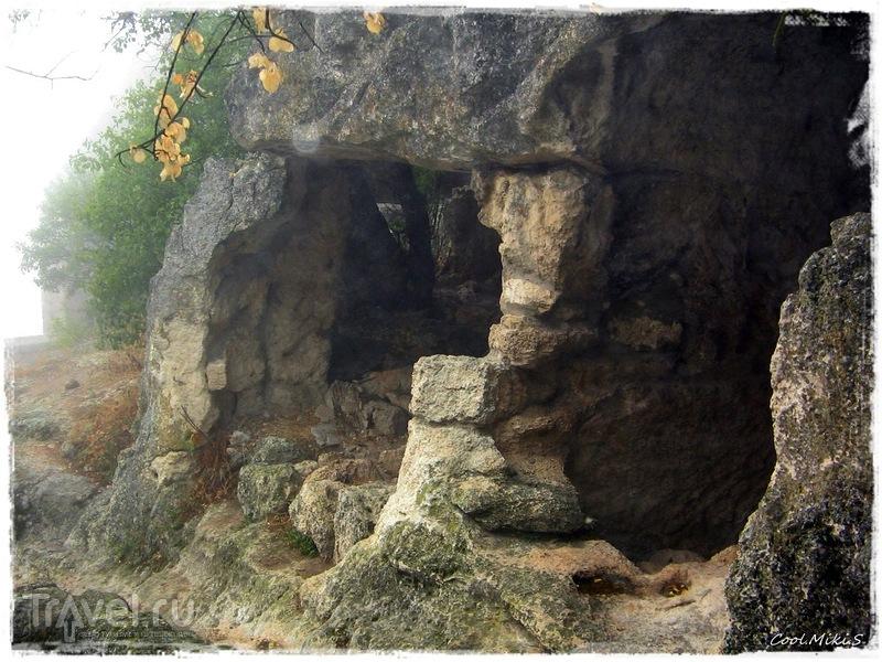 Пещерный город Чуфут-Кале / Россия