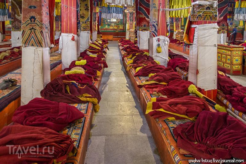 Тибет: монастырь Гандэн, небесная радость школы Гелуг