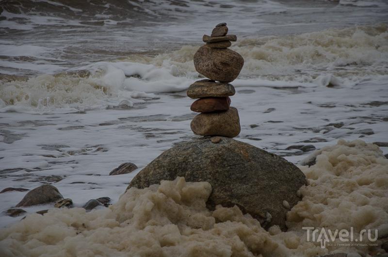 Пена, море, камни