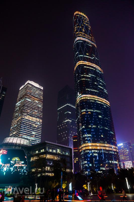 Китай, Гуанчжоу: ресторан на 100-м этаже небоскреба / Фото из Китая