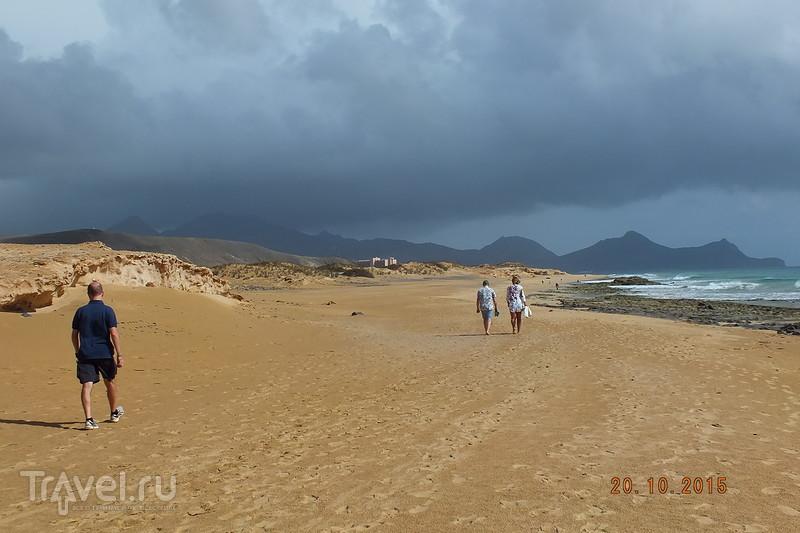 Португалия. Остров Порту-Санту. Пляж / Португалия