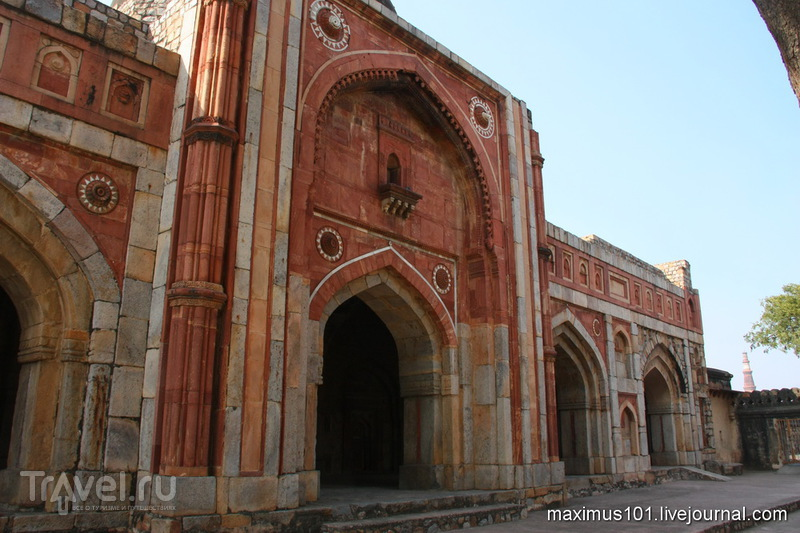 Мехраули - южный пригород Дели / Индия