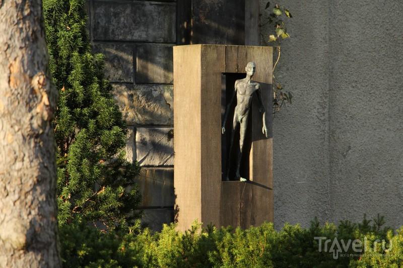 Хmas на старом кладбище Шёнеберга: дети, геи, братья Гримм / Германия