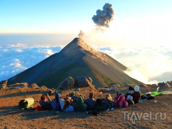 Извержения вулкана Фуэго. Гватемала / Гватемала