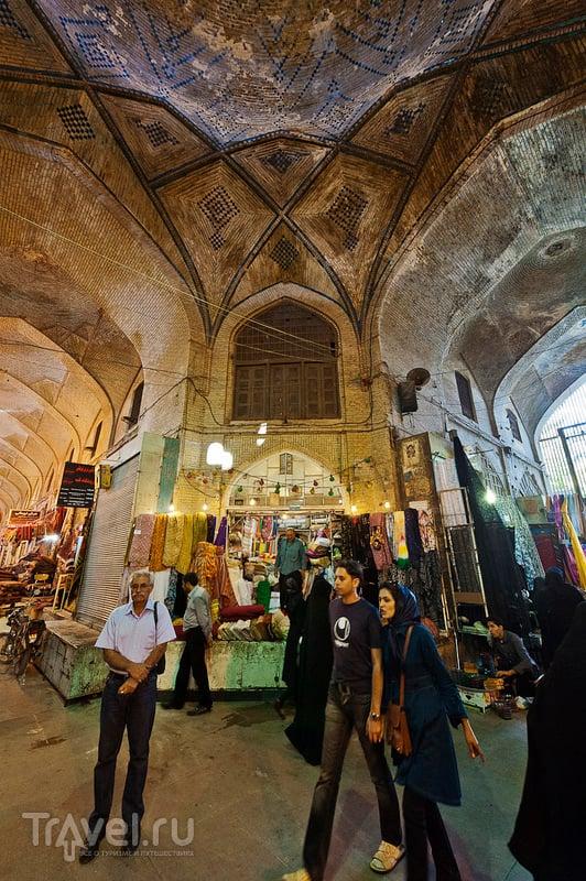 Коридорами иранского базара / Иран
